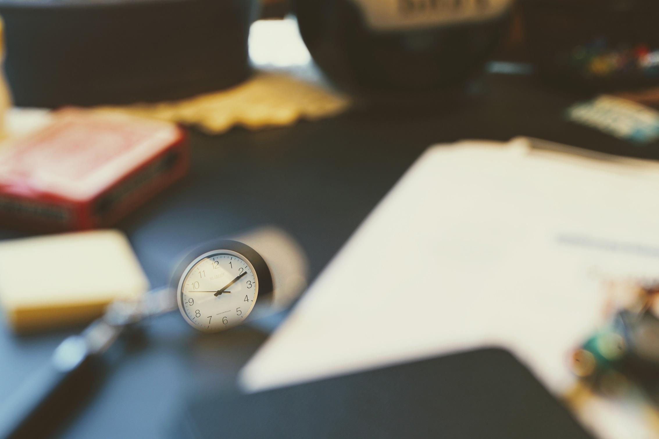 1.11.2019 Kuidas hoida tähelepanu kaks sekundit, kuidas kaks minutit või kaks tundi? Mis loob meelerahu ja mida teha, et olla paremas vaimses vormis? Stuudios on psühholoog Helena Väljaste ja saatejuht Kadri Tammepuu.